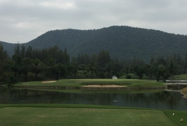 The lovely par 3 16th, look at that backdrop!
